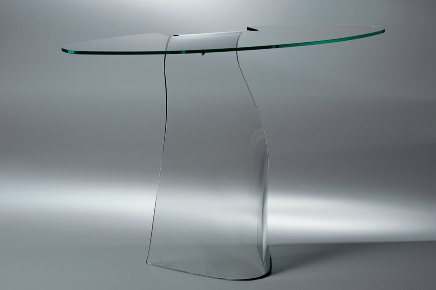 Dama Console by Makio Hasuike for Fiam Italia