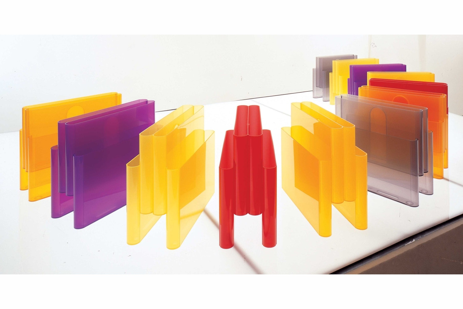 Magazine Rack by Giotto Stoppino for Kartell