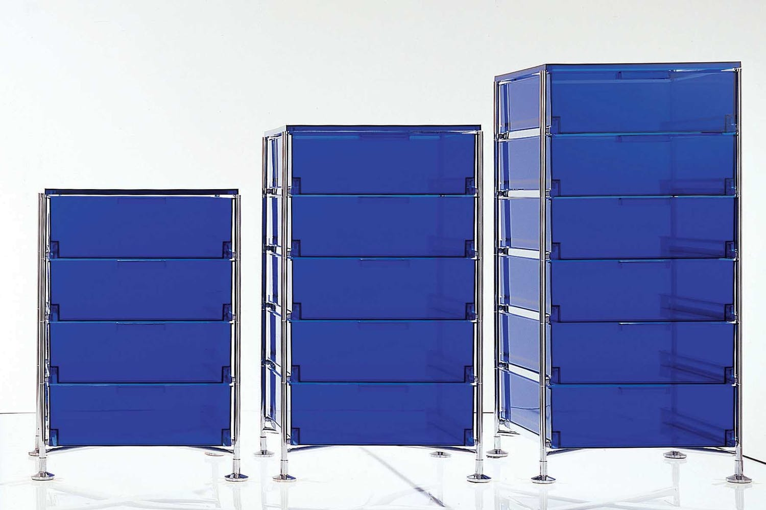 mobil container by antonio citterio with oliver low for. Black Bedroom Furniture Sets. Home Design Ideas