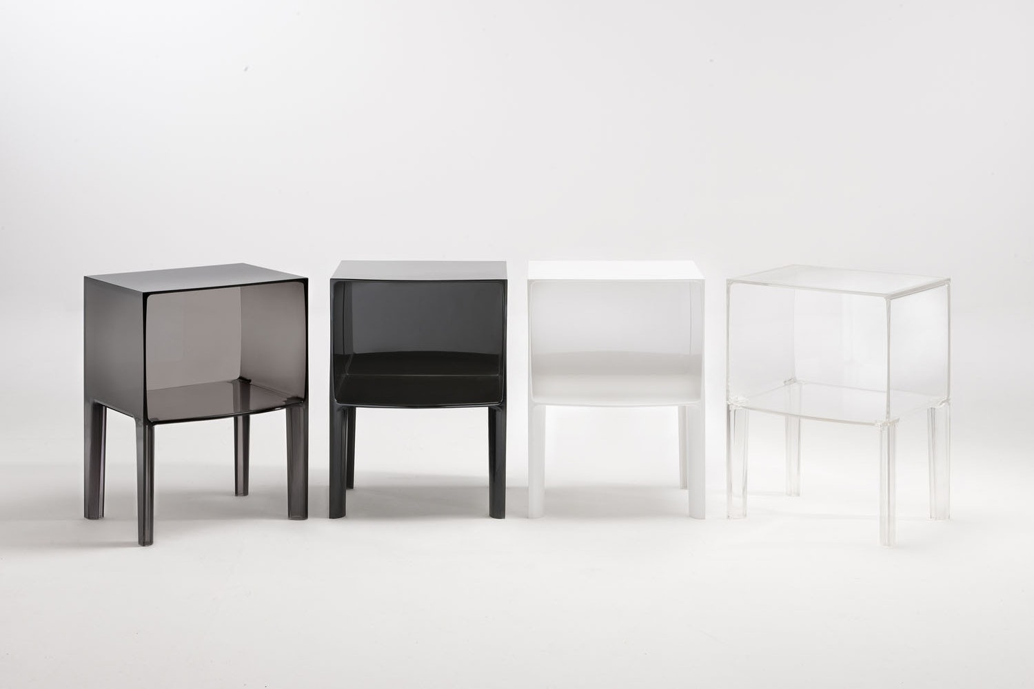 Charmant Small Ghost Buster Night Table By Philippe Starck With Eugeni Quitllet For  Kartell