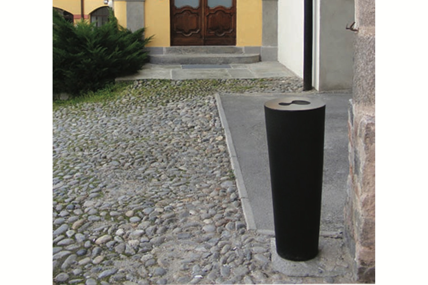 Ashtray by Paolo Rizzatto for Serralunga