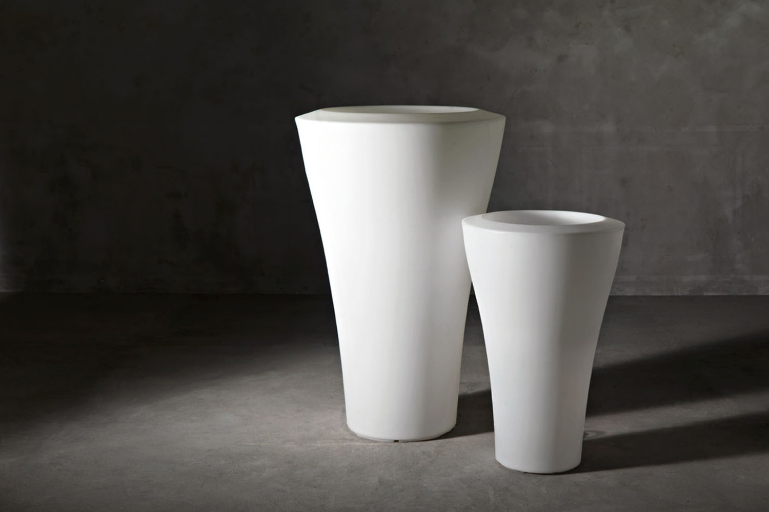 Ming High Pot Family by Rodolfo Dordoni for Serralunga