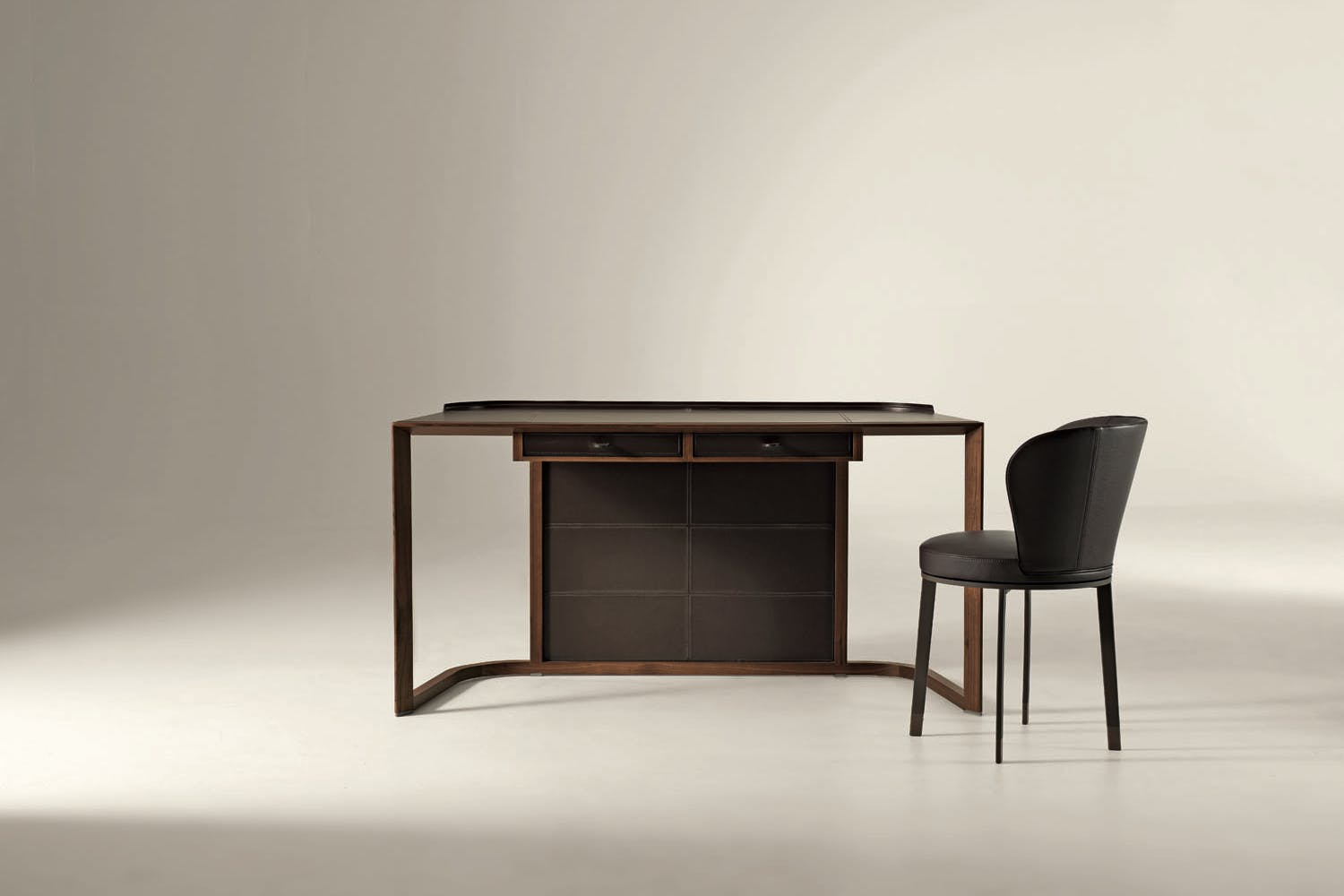 Ion Desk By Chi Wing Lo For Giorgetti Space Furniture