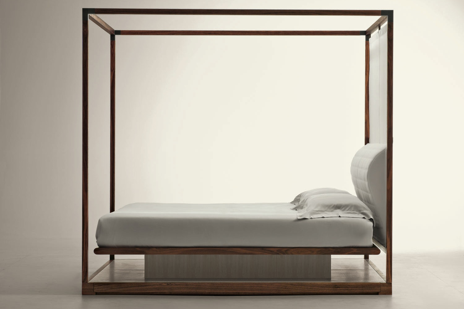 Ira Canopy Bed by Chi Wing Lo for Giorgetti