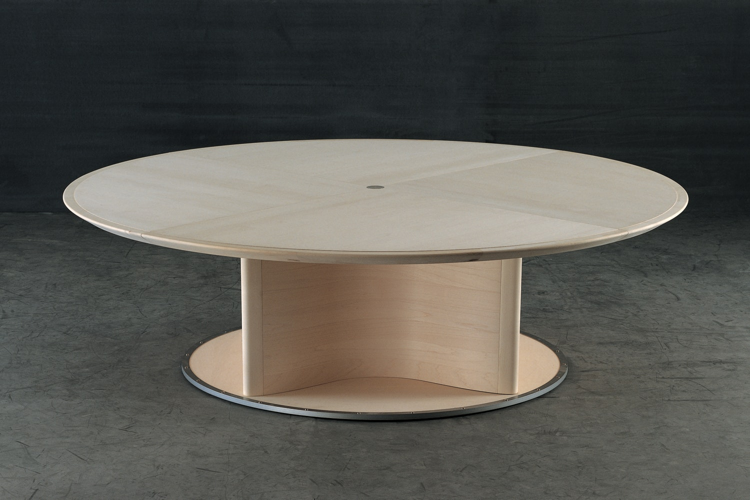 Ivi Table by Chi Wing Lo for Giorgetti