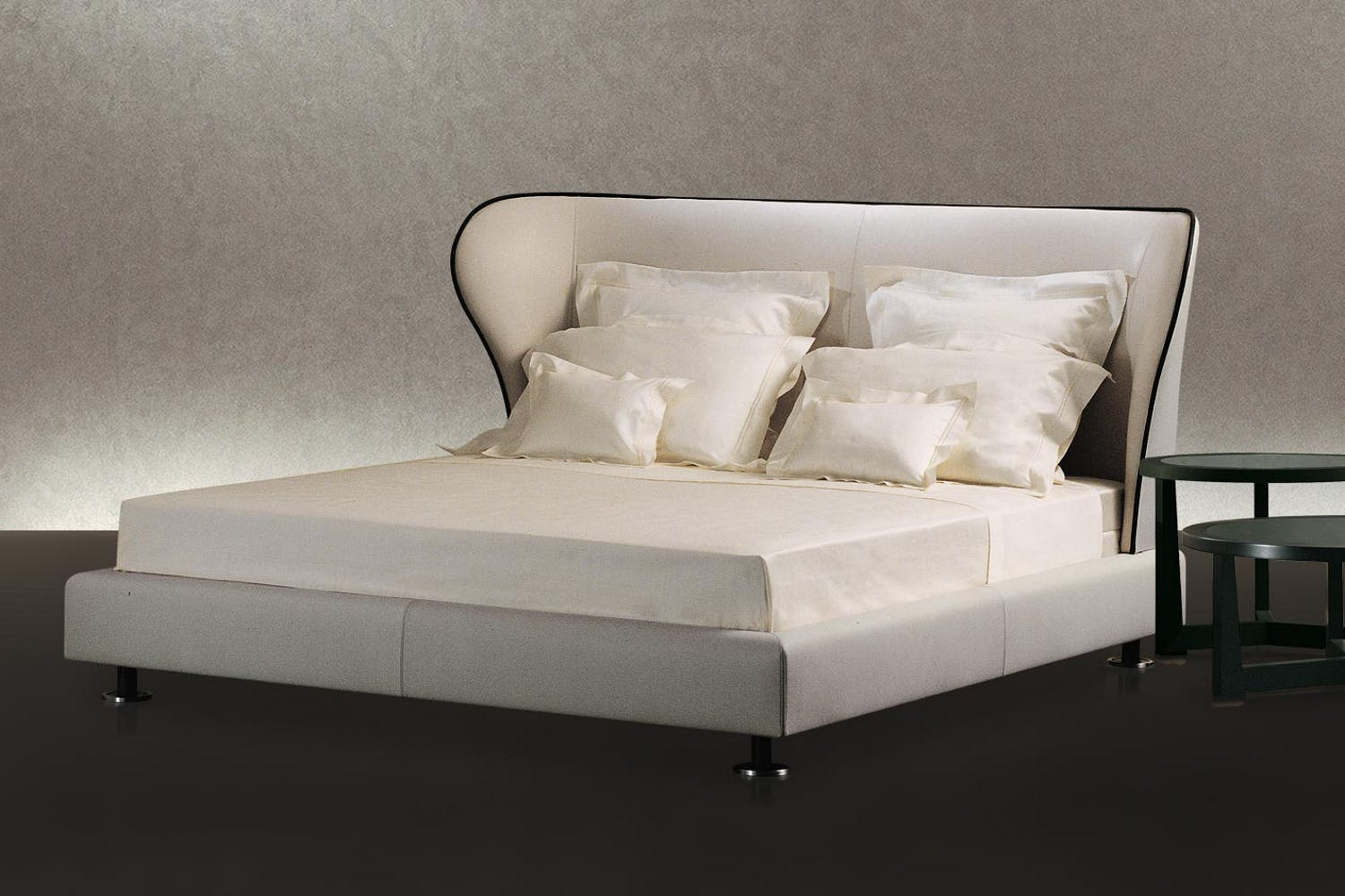 Rea Bed By Chi Wing Lo For Giorgetti Space Furniture