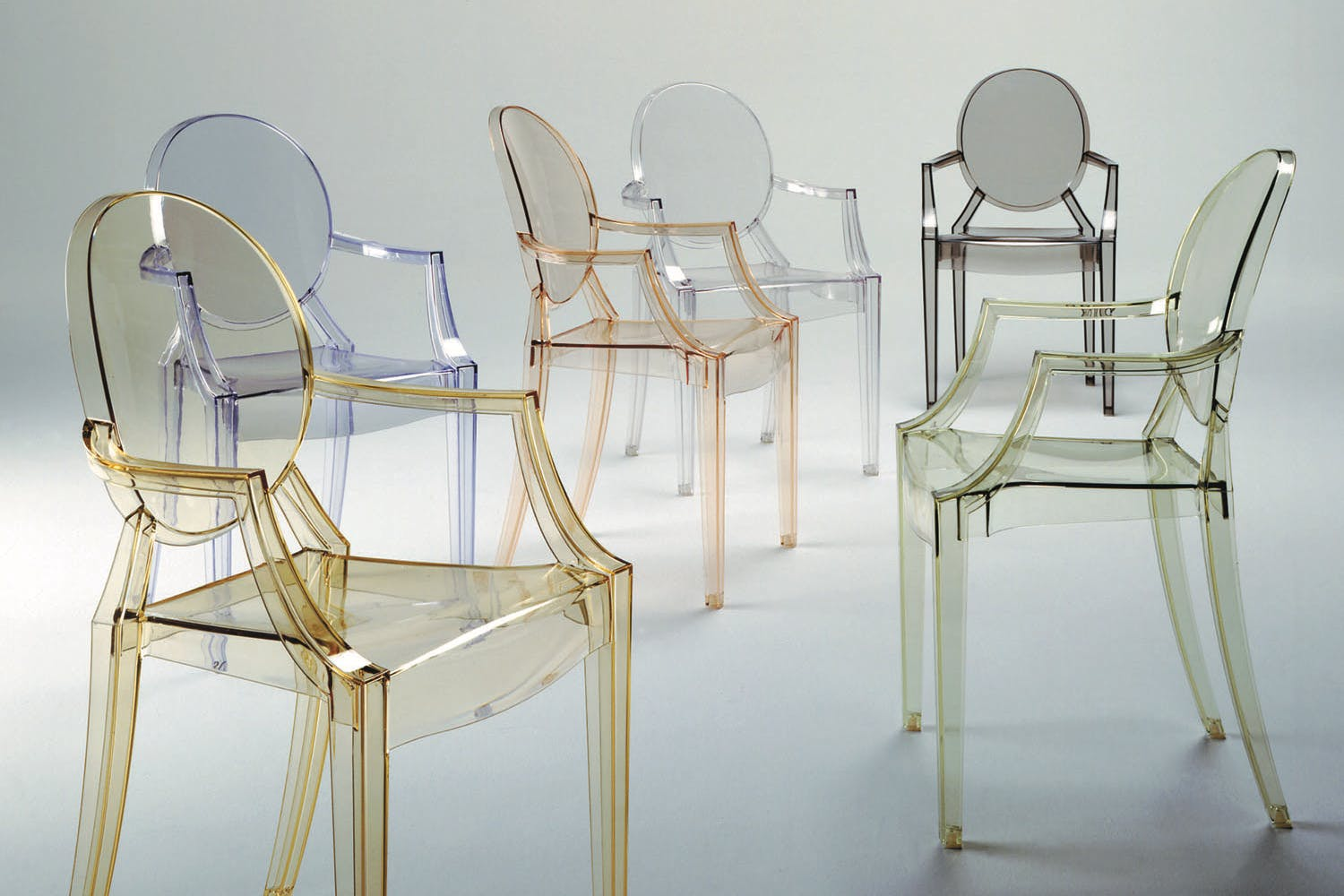 louis ghost chair with arms by philippe starck for kartell. Black Bedroom Furniture Sets. Home Design Ideas