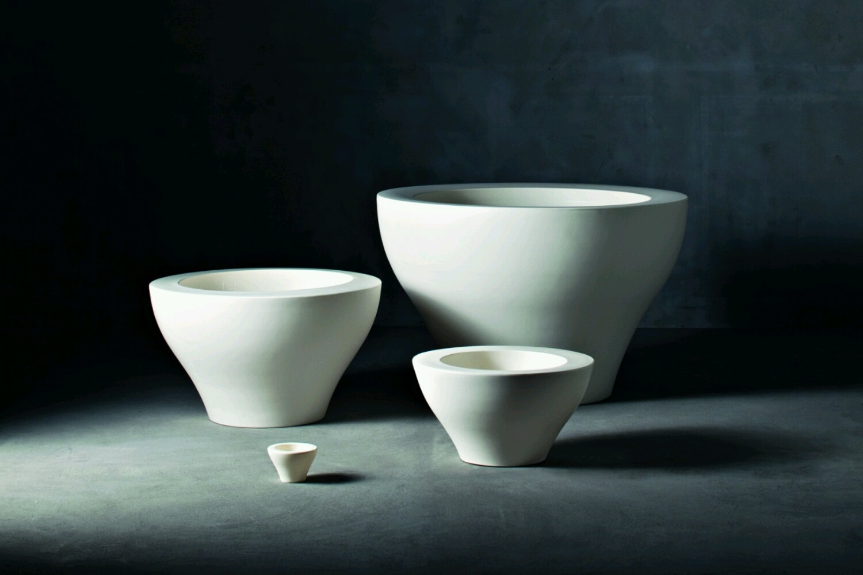 Ming Pot Family by Rodolfo Dordoni for Serralunga