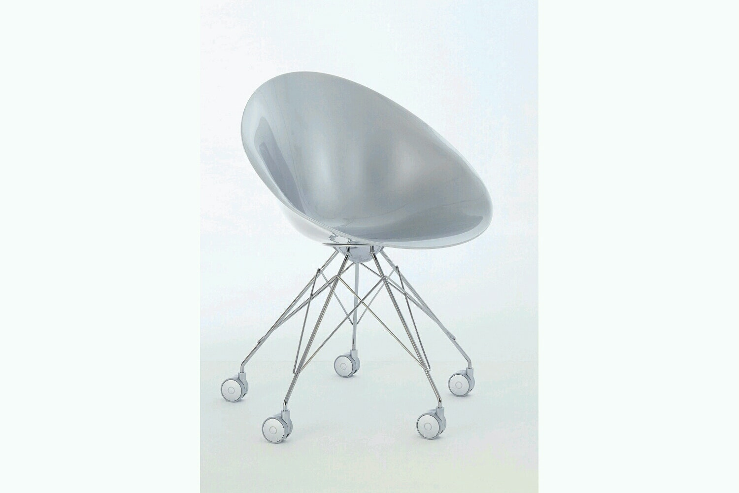 Ero|S| Chair on Castors by Philippe Starck for Kartell