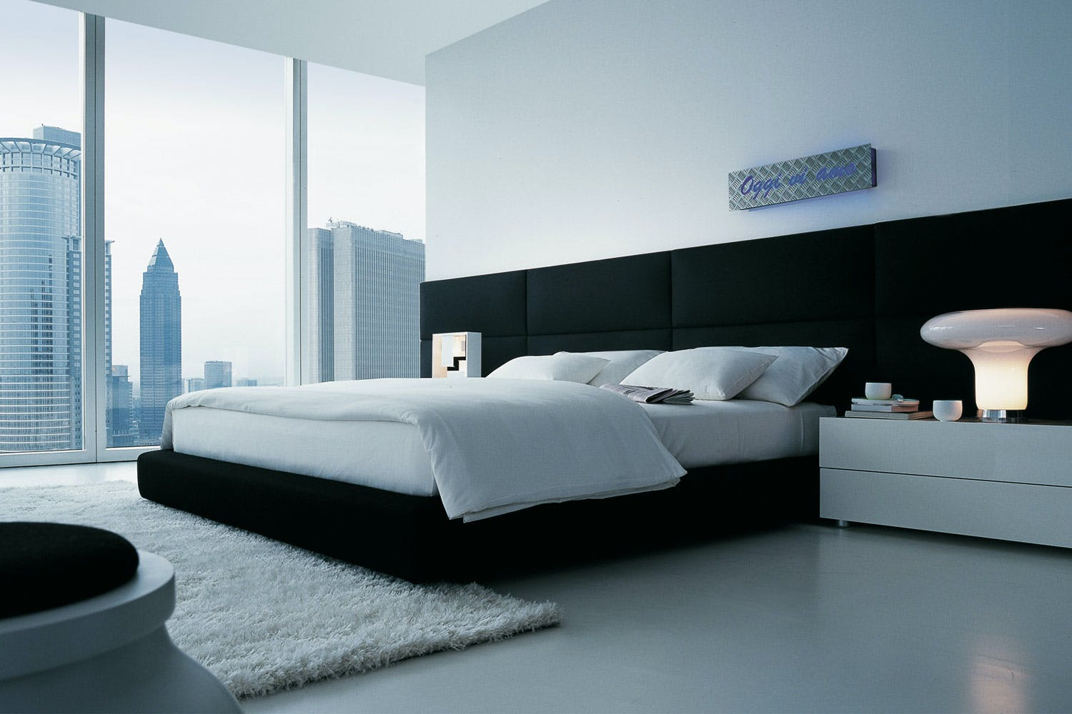 dream bed by marcel wanders for poliform space furniture. Black Bedroom Furniture Sets. Home Design Ideas