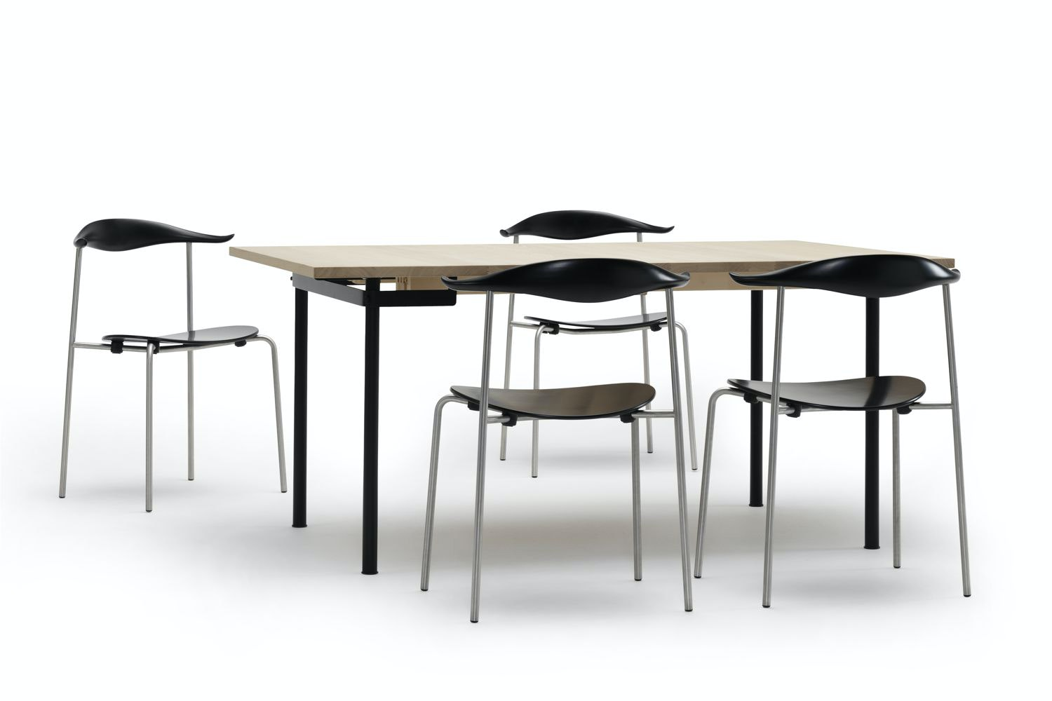 CH322 Black by Hans J. Wegner for Carl Hansen & Son