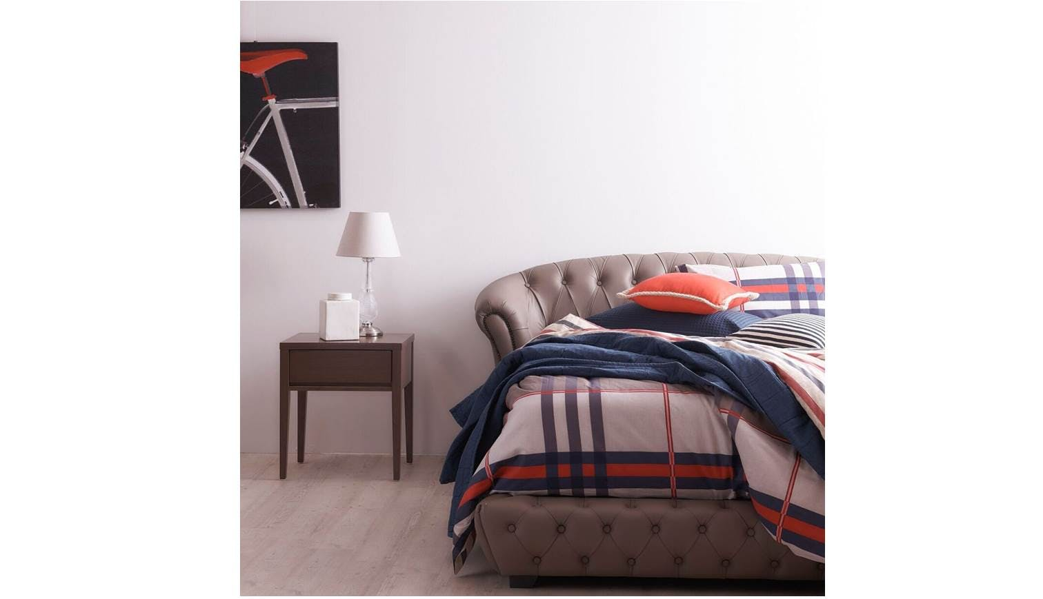 Nottingham Queen Size Leather Bed Frame Colour 665 Also Available