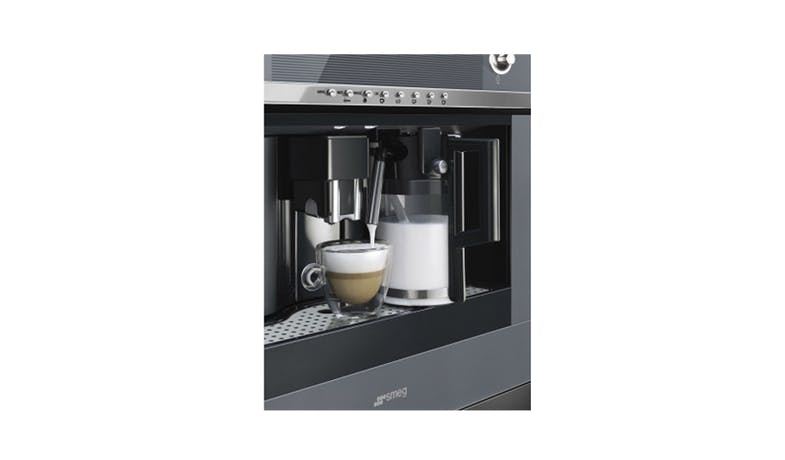 Smeg CMS4101S Coffee Machine - Steel and Silver Glass-02
