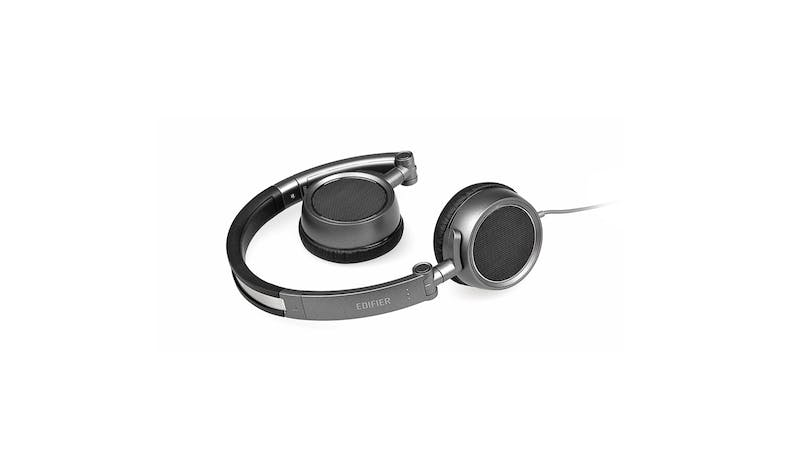 Edifier H690 Elegant Foldable Headphone 01